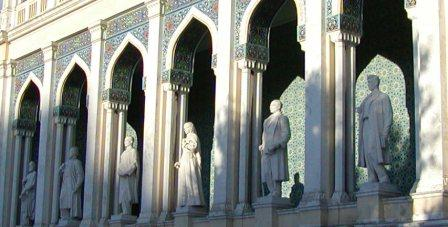 Baku statues, Nizami statues, Azerbaijan statues, poet statues, academic statues