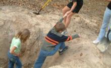 dig hole, boy in hole, digging, climbing, fitness