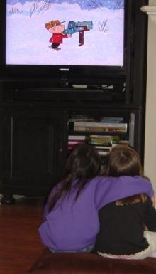 kids and TV, watching television, snoopy TV